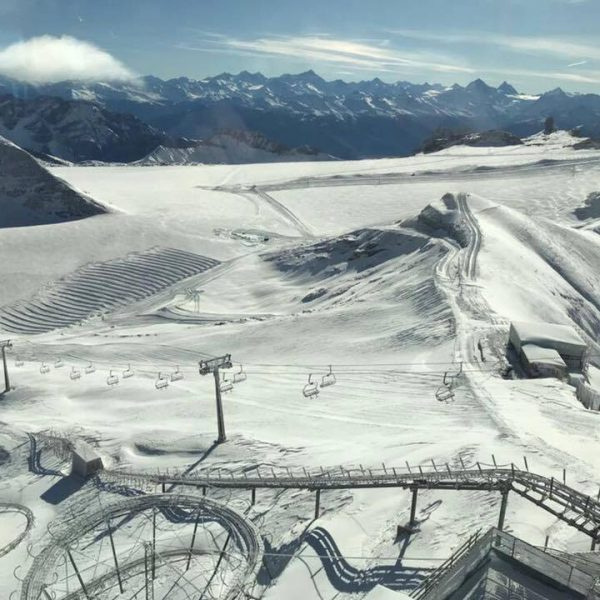 We are already skiing at the Glacier 3000 !